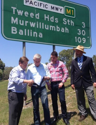 At the announcement of funding for improved signage on the entry to NSW with Deputy Premier, Troy Grant and Tweed Business Chamber President, Matthew Fraser and TSC Mayor Gary Bagnall