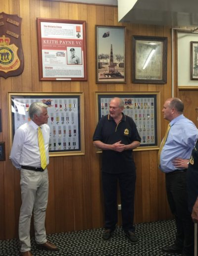 Minister for Veteran Affairs David Elliot catches up with Kingscliff RSL Sub branch